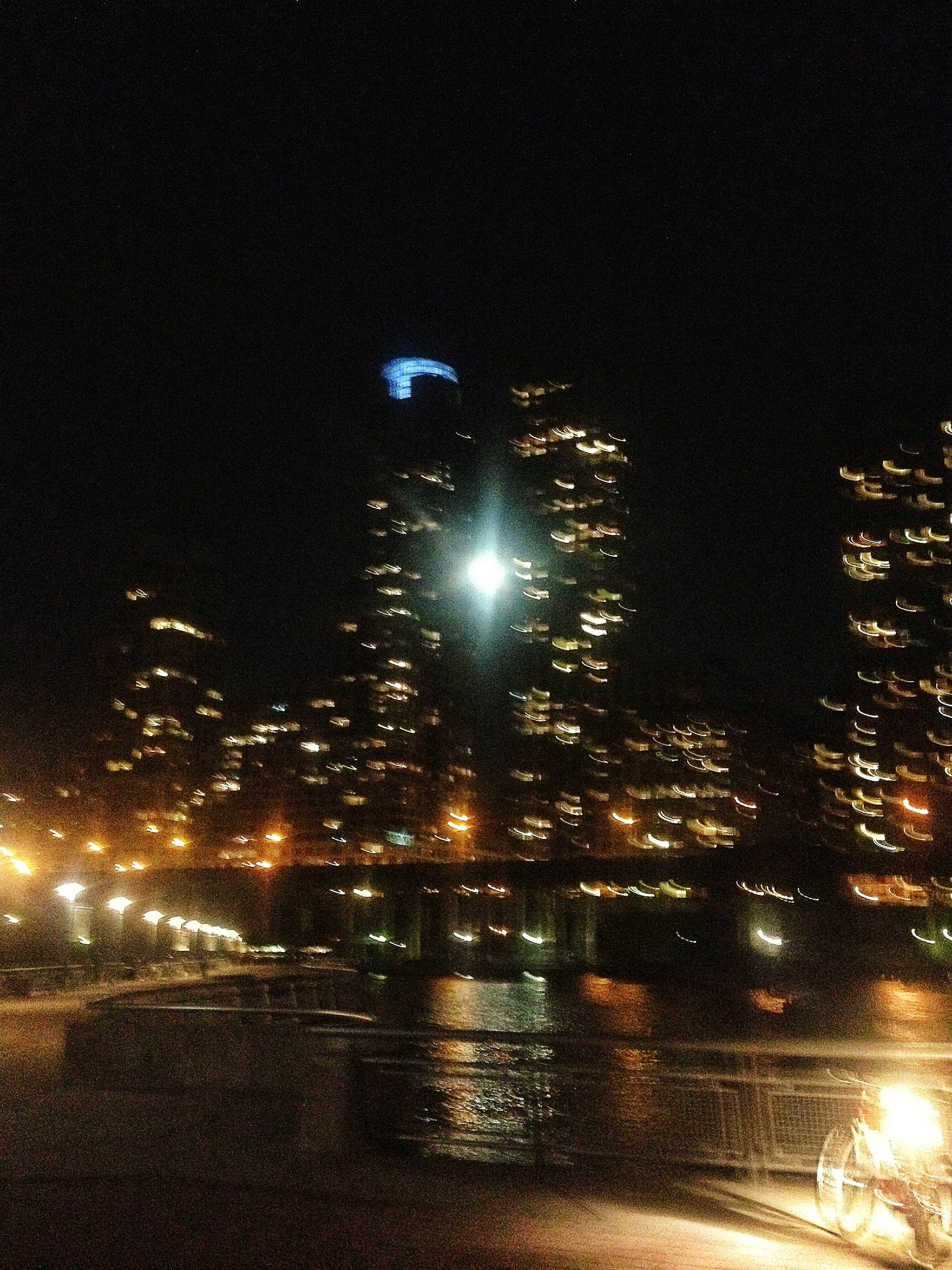 salsa and chips on pier 66 with a full moon rising